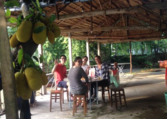 Desayunando en el Homestay con los malasios, Delta del Mekong, Vietnam 2015