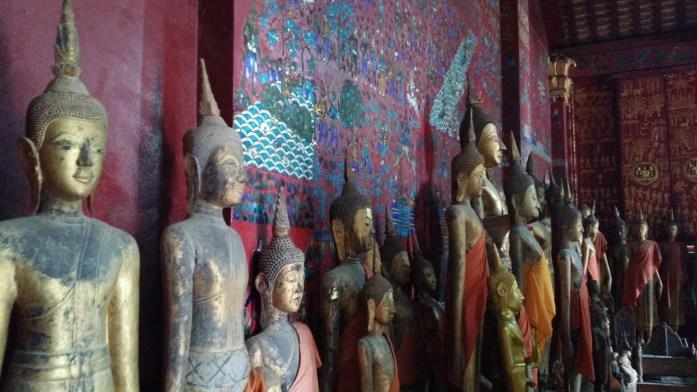 Budas en Wat Xieng Thong, Luang Prabang, Laos, 2015