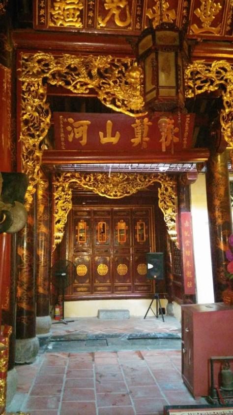 Interior de una Pagoda, Hanoi, Vietnam, 2015