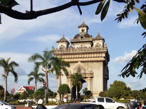 Patuxai o Puerta de la Victoria, Vientiane, Laos, 2015