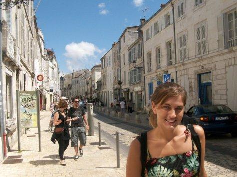 @rominitaviajera caminando por la Rochelle, Francia, 2010