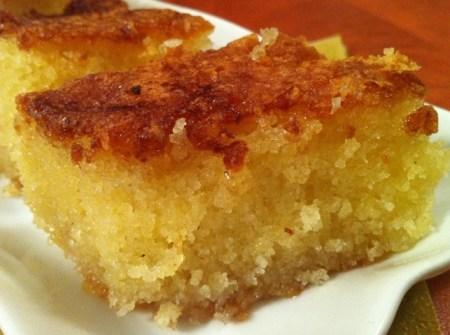 עוגת סולת דחוסה ורטובה