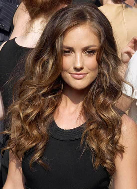 The Best 27 Amazing Hairstyles For Long Curly Hair Pictures