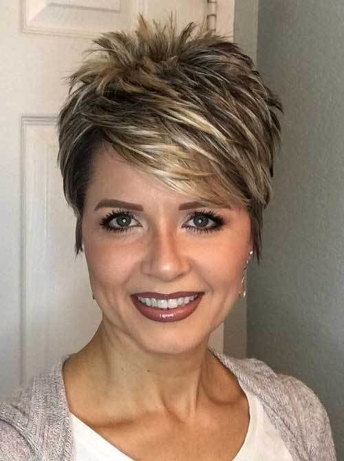 The Best Chic Short Haircuts For Women Over 50 Pictures