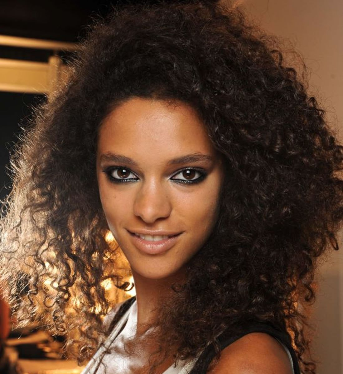The Best Black Women Medium Lenght Curly Hairstyles 2018 2019 Pictures