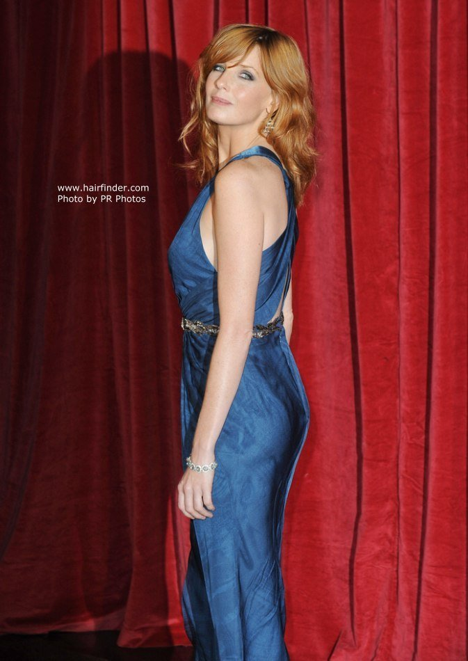 The Best Kelly Reilly Long Layered Hairstyle That Brings All Focus To The Eyes Pictures
