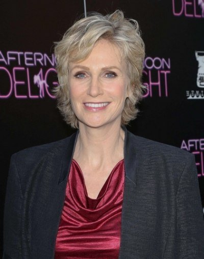 The Best Jane Lynch Pixie Rejuvenating Short Hairstyle For A Lady Pictures