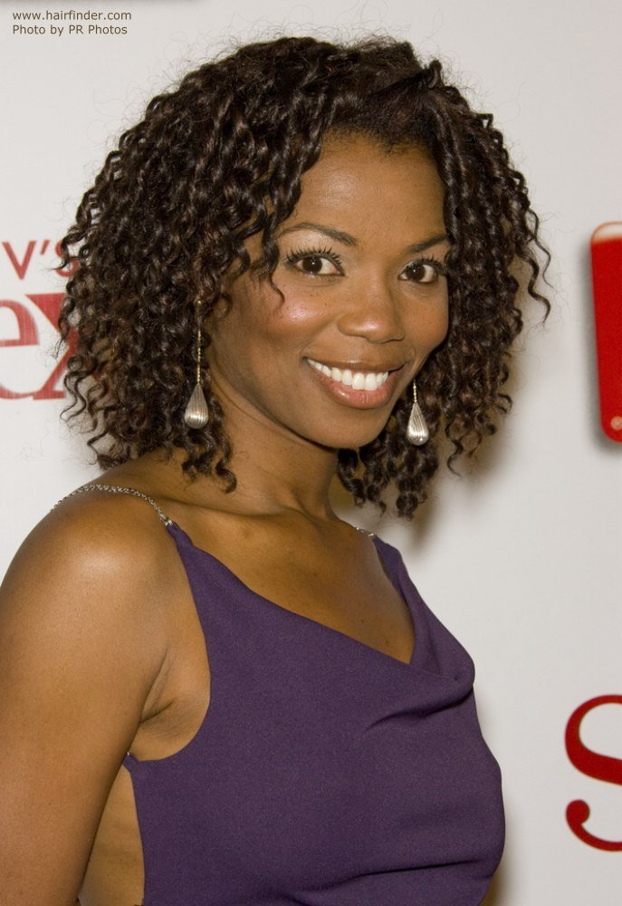 The Best Katie Holmes Vanessa Williams Hair Fashioned In A Bob Hairstyle And Tiny Spiral Curls Pictures