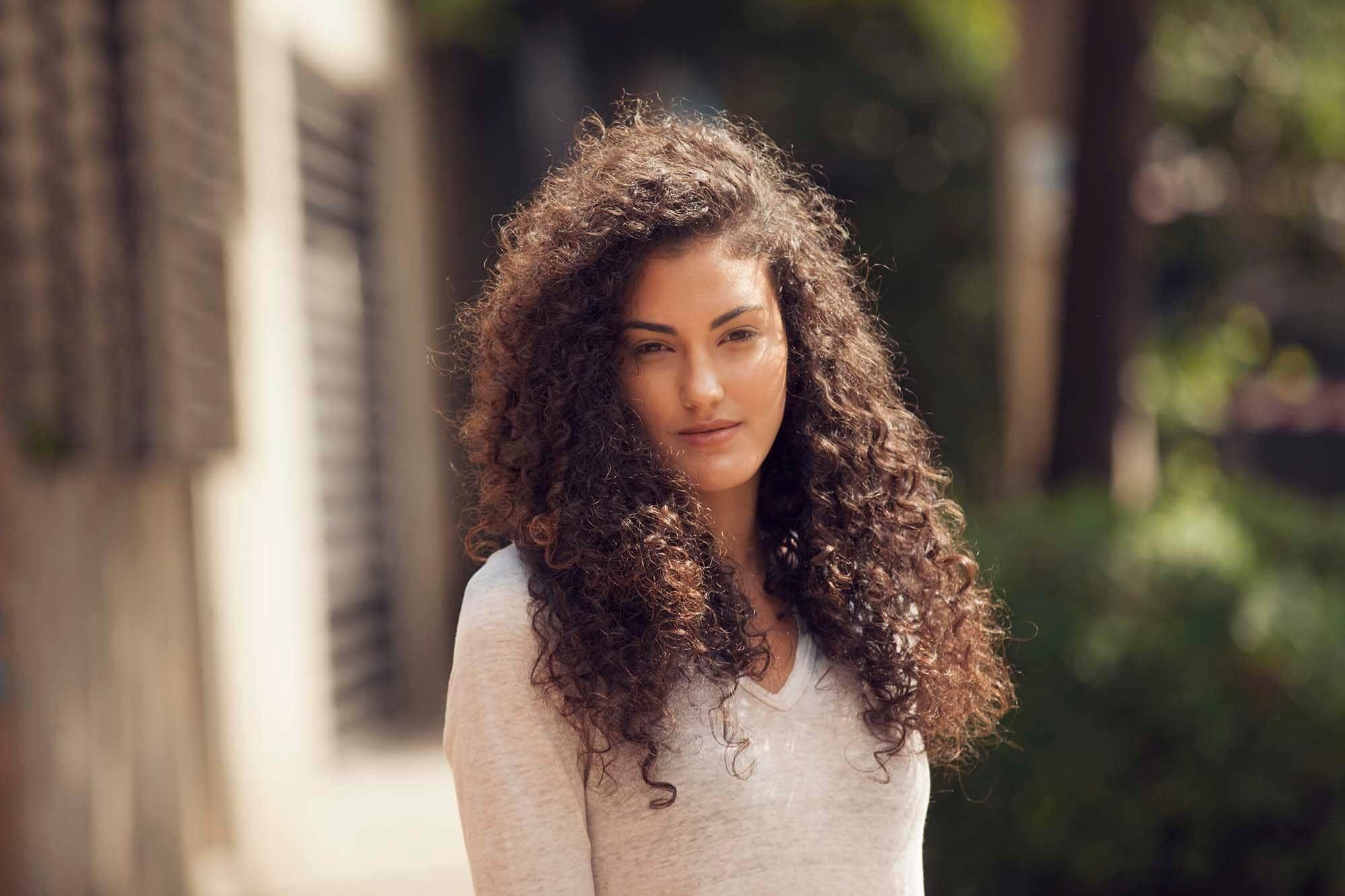 The Best 16 Easy And Modern Hairstyles For Thick Curly Hair Pictures