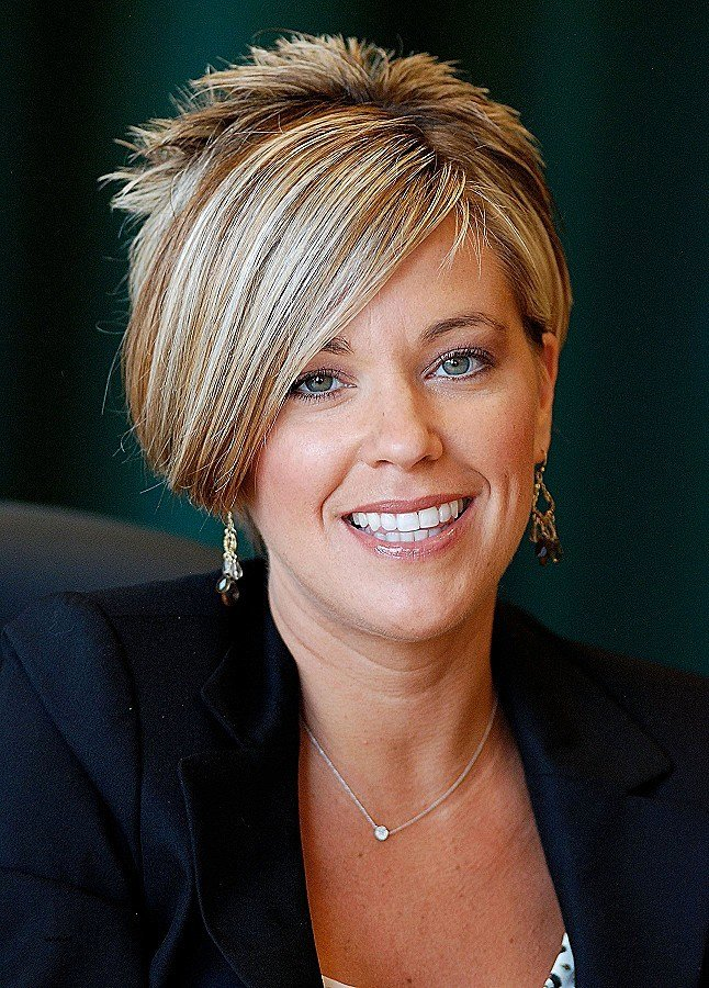 The Best Women S Hairstyles To Disguise Thinning Hair Inspirational Pictures