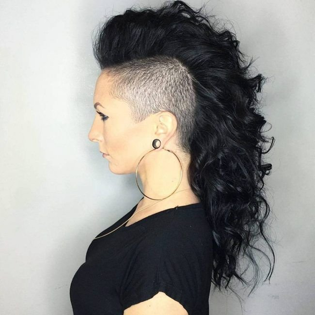 The Best Thick Mohawk With Razor Trimmed Sides Hairdoodles In Pictures