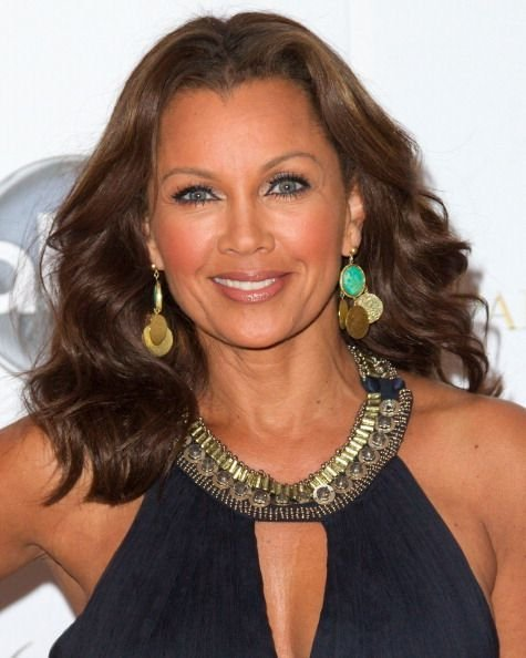 The Best Vanessa Williams Soft Chocolate Toned Hair Color Shade And Bouncy Voluminous Hairstyle Pictures