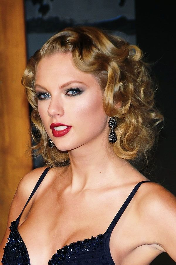 The Best Cabaret Hair Pin Ups Taylor Swift Makeup Red Carpet Pictures