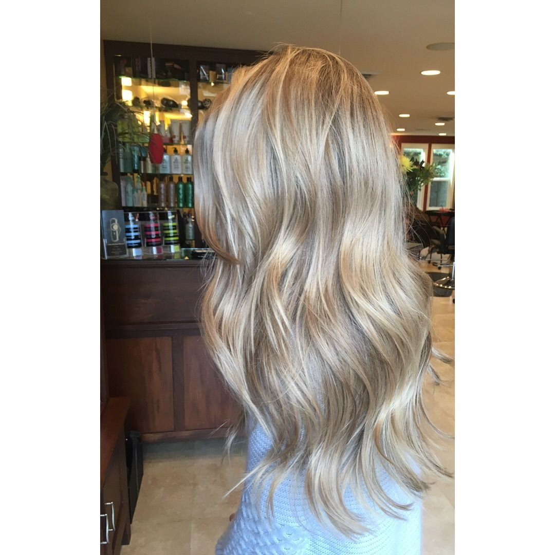 The Best Champagne Blonde Cdhair Hair From A Stylists Pictures