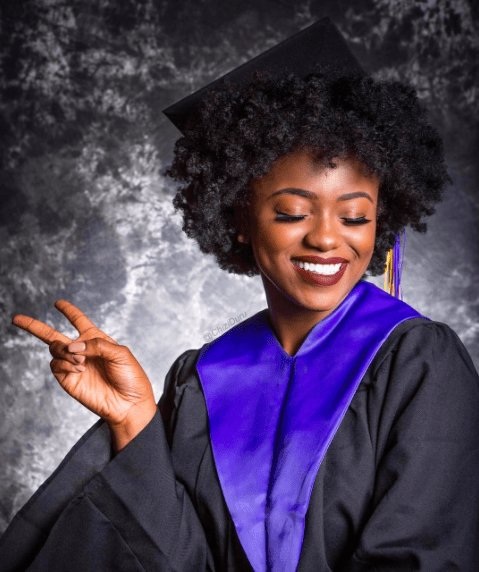 The Best 5 Ways To Slay Your Cap Gown Curls Curly Hair Graduation Hairstyles Graduation Pictures