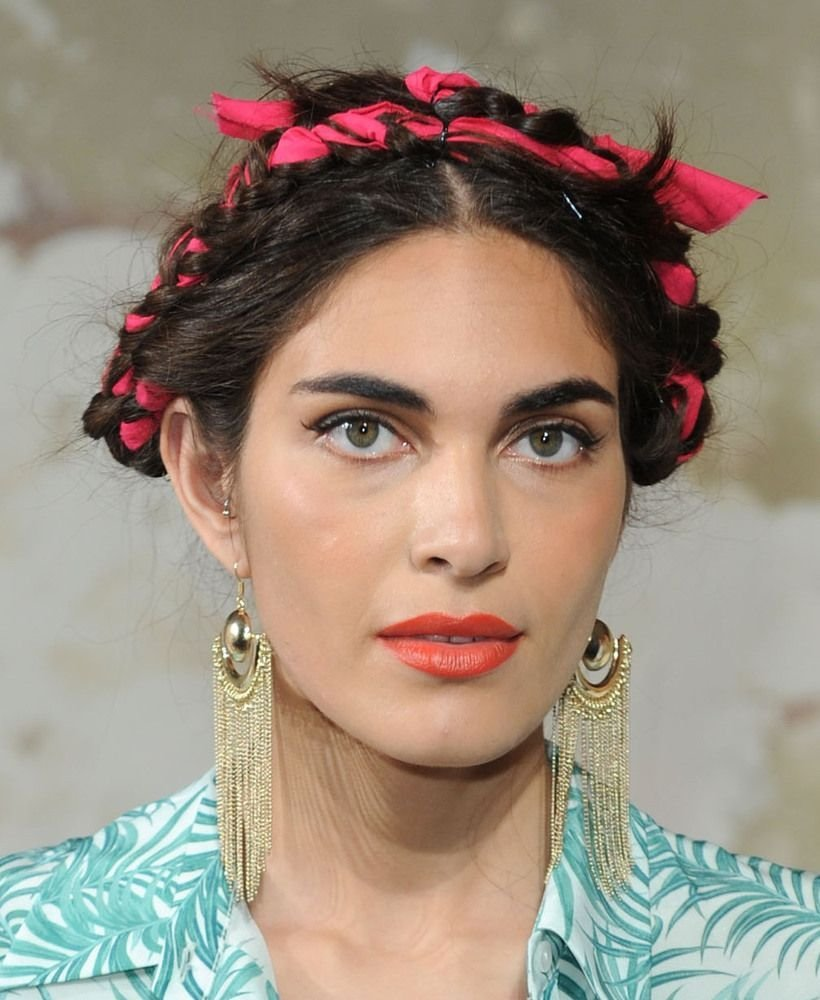 The Best 3 Ways To Wear Frida Kahlo S Fabric Woven Braids Photos Pictures