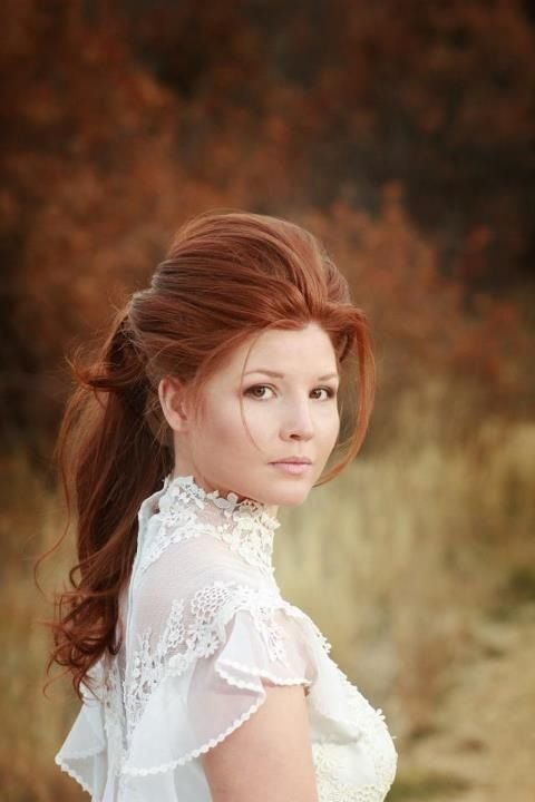 The Best Victorian Hair Gorgeous Girl Session Inspiration Pictures