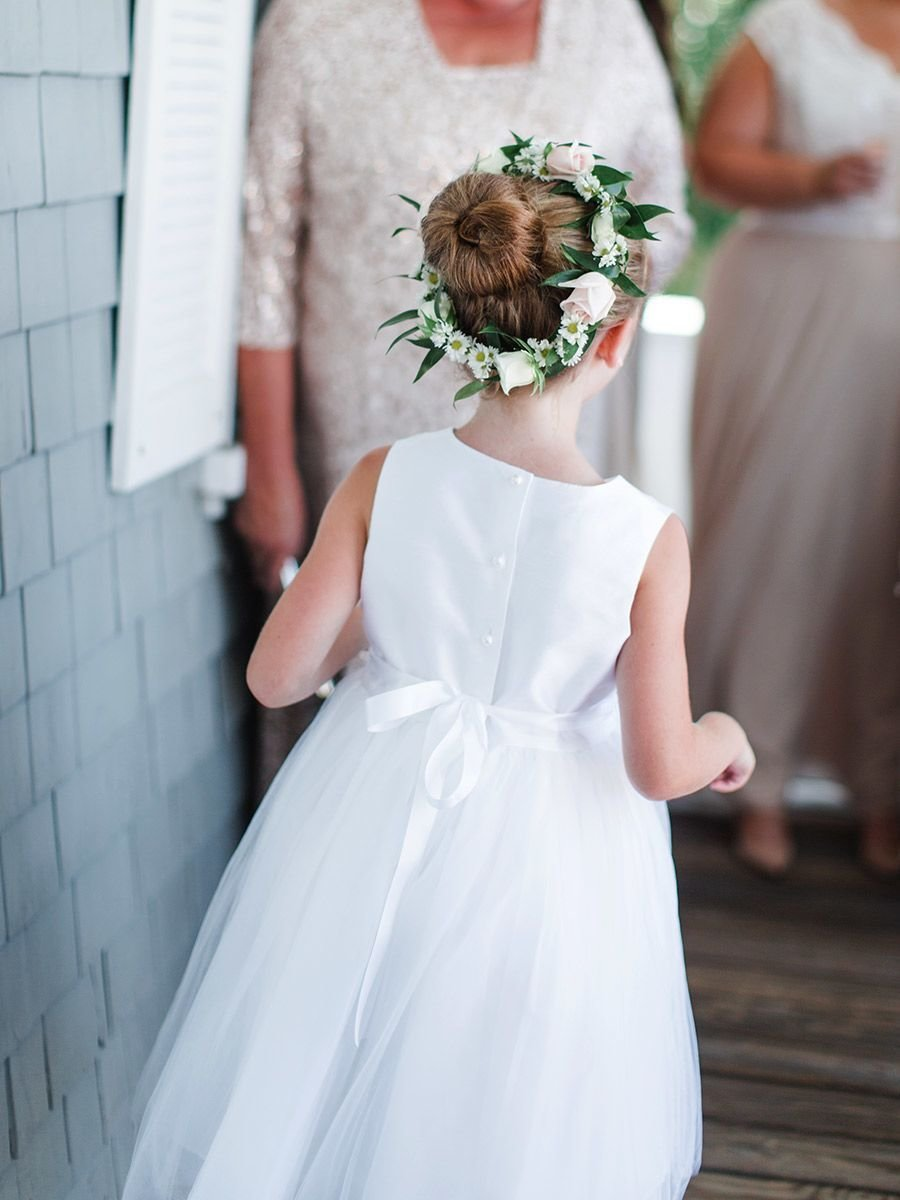 The Best 14 Adorable Flower Girl Hairstyles Pictures