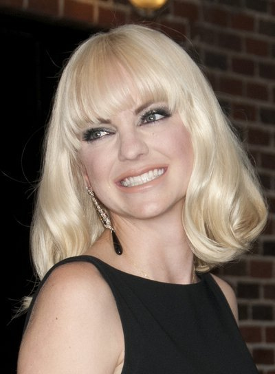 The Best Medium Blonde Hairstyles With Bangs Beauty Riot Pictures