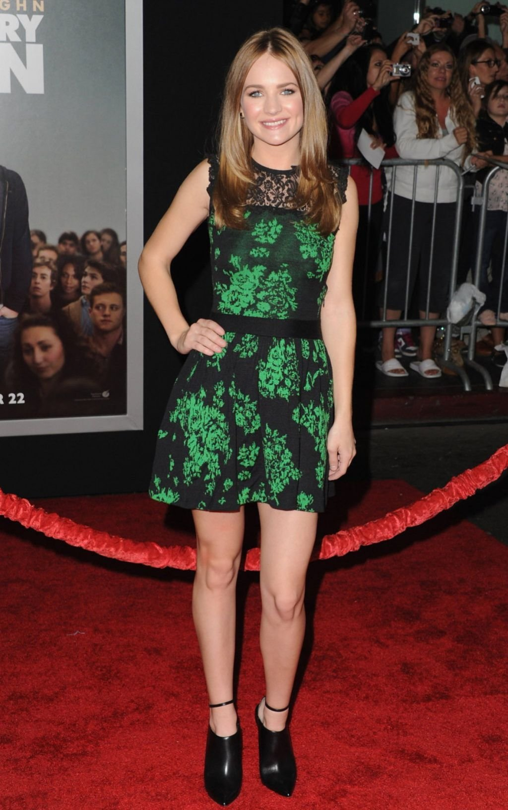 The Best Britt Robertson Red Carpet Photos Delivery Man Movie Pictures