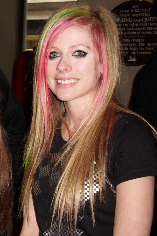 The Best Avril Lavigne Hairstyles Hairstylo Pictures