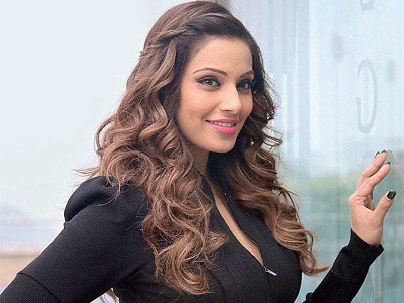 The Best Bipasha Basu Hairstyles Pictures