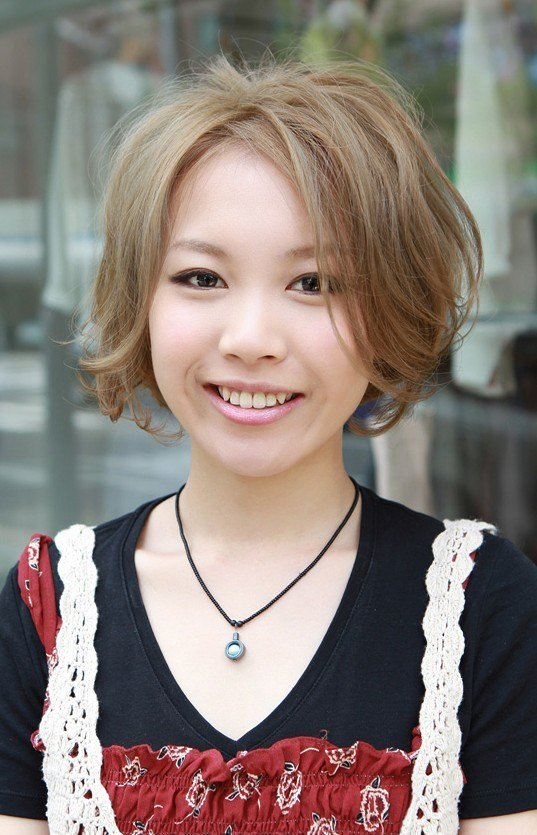 The Best Short Japanese Haircut Glamorous Blonde Retro Bob With Pictures