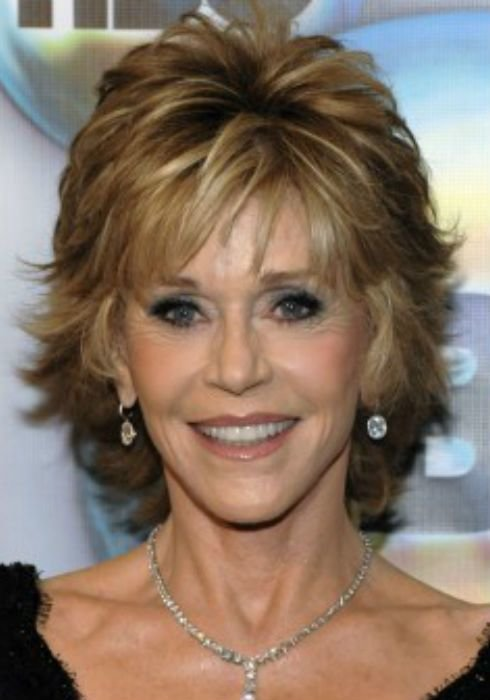 The Best Jane Fonda Haircuts Shaggy Bobs Womanly Waves And The Pictures