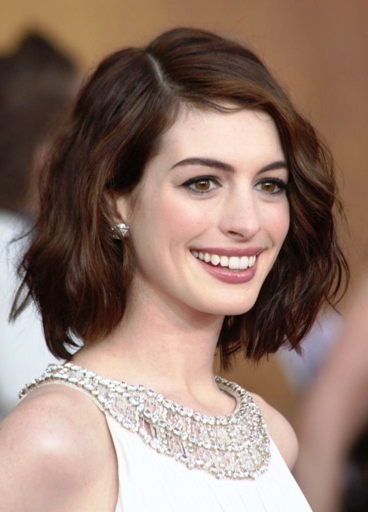 The Best Top 20 Hairstyles For Long Faces The Most Flattering Cuts Pictures