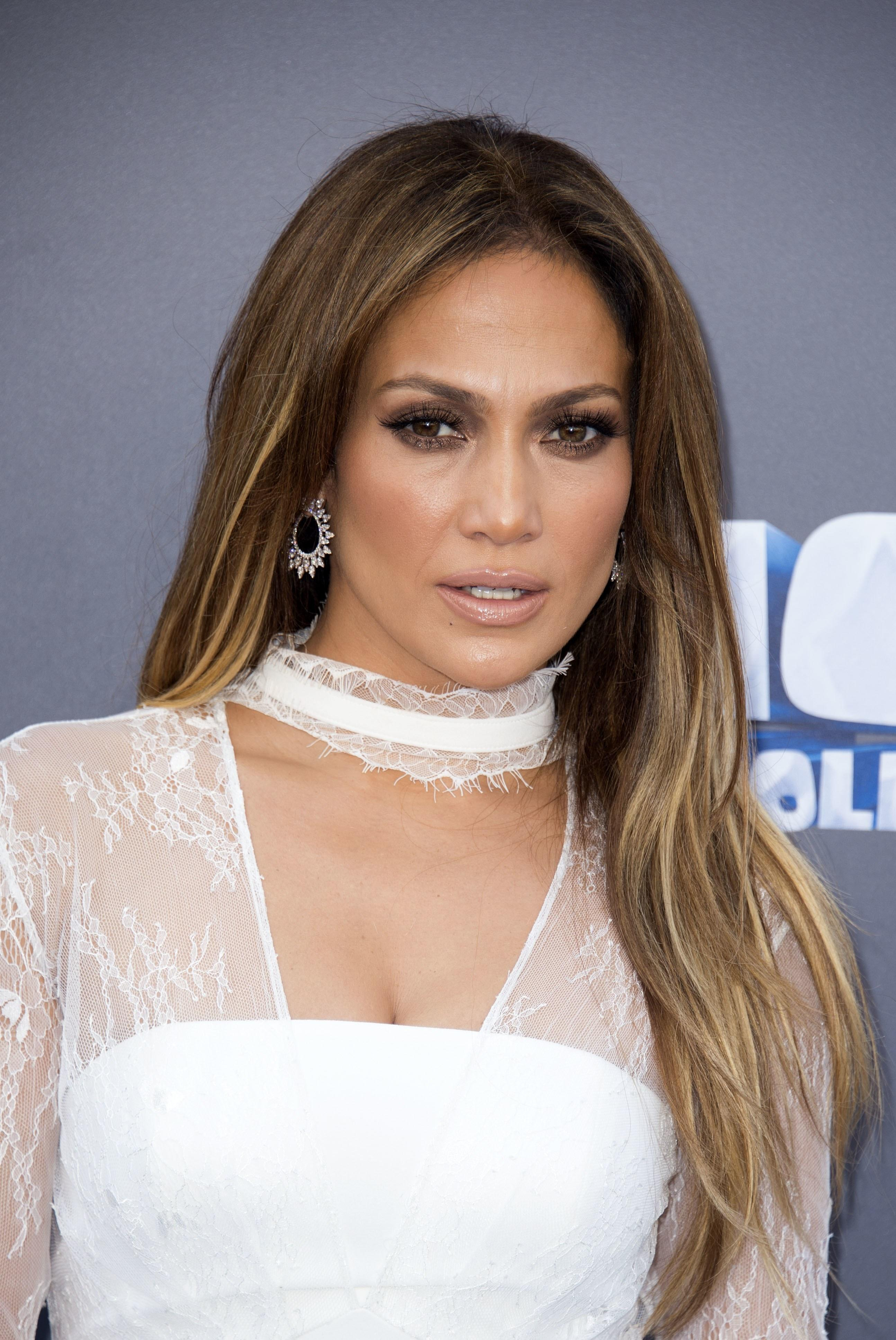 The Best Jennifer Lopez's Braid Is Giving Us Jenny From The Block Pictures