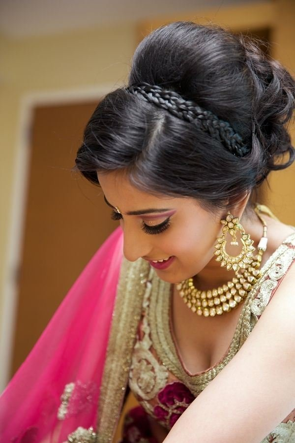 The Best Easy Hairstyles For Sarees With Face Shape Guide Pictures