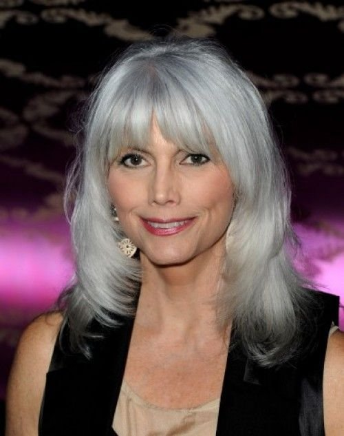 The Best Emmylou Harris Trademark Gray Hair Is A Flashy Shade Of Pictures