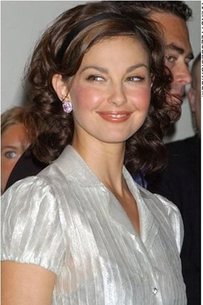 The Best Ashley Judd S Hair Is Long Thick And Curly There Is So Pictures