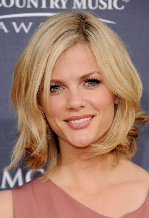 The Best Strawberry Blonde Medium Length Hairstyle For Older Women Shoulder Length Layered Hairstyles Pictures