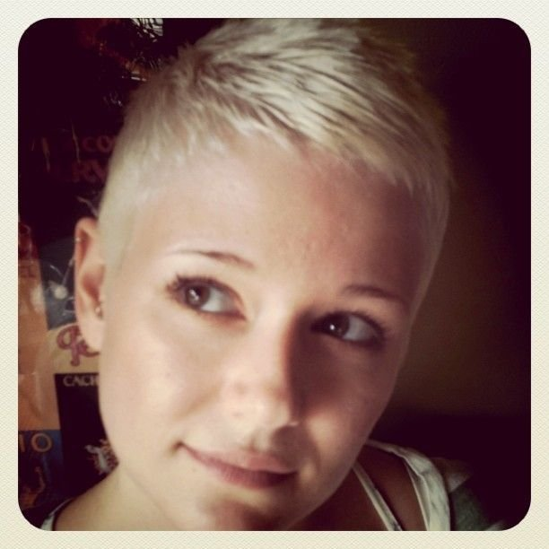 The Best 1000 Images About Ultra Short Hair On Pinterest Short Pictures