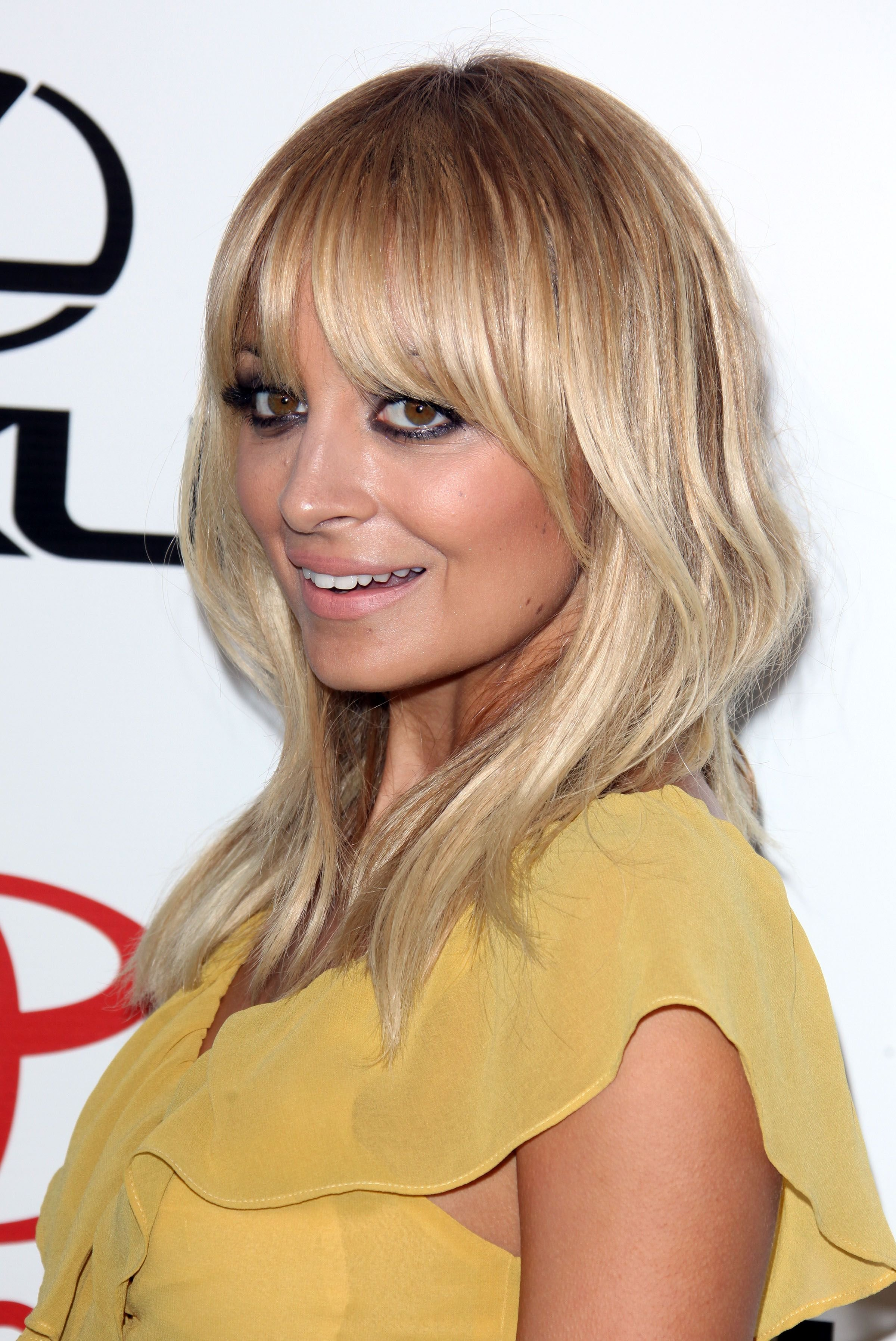 The Best Below Shoulder Length Hairstyles With Bangsflattering Pictures