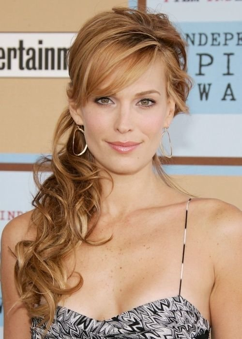 The Best Side Ponytail Hairstyles On Pinterest Frizzy Wavy Hair Pictures