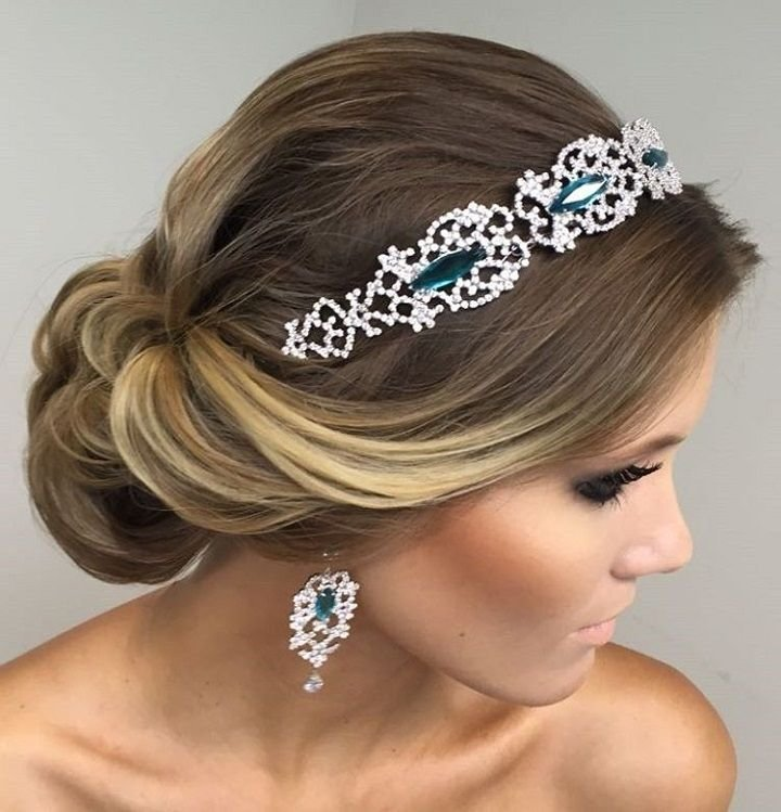 The Best Beautiful Bridal Updo Hairstyle With Headband Wedding Pictures