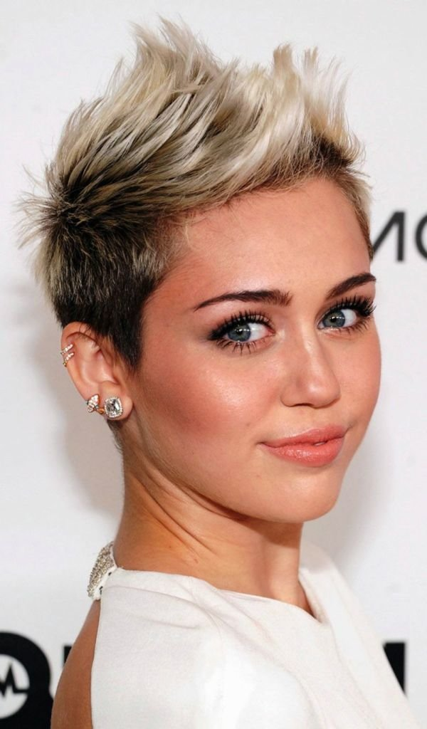 The Best 40 Classic Short Hairstyles For Round Faces – The Wow Style Pictures