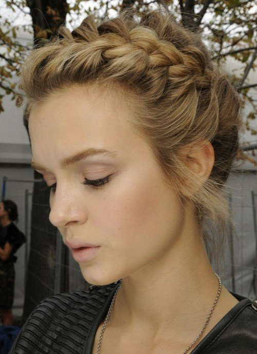The Best Prom Hairstyles That You Can Do For Short Hair Women Pictures