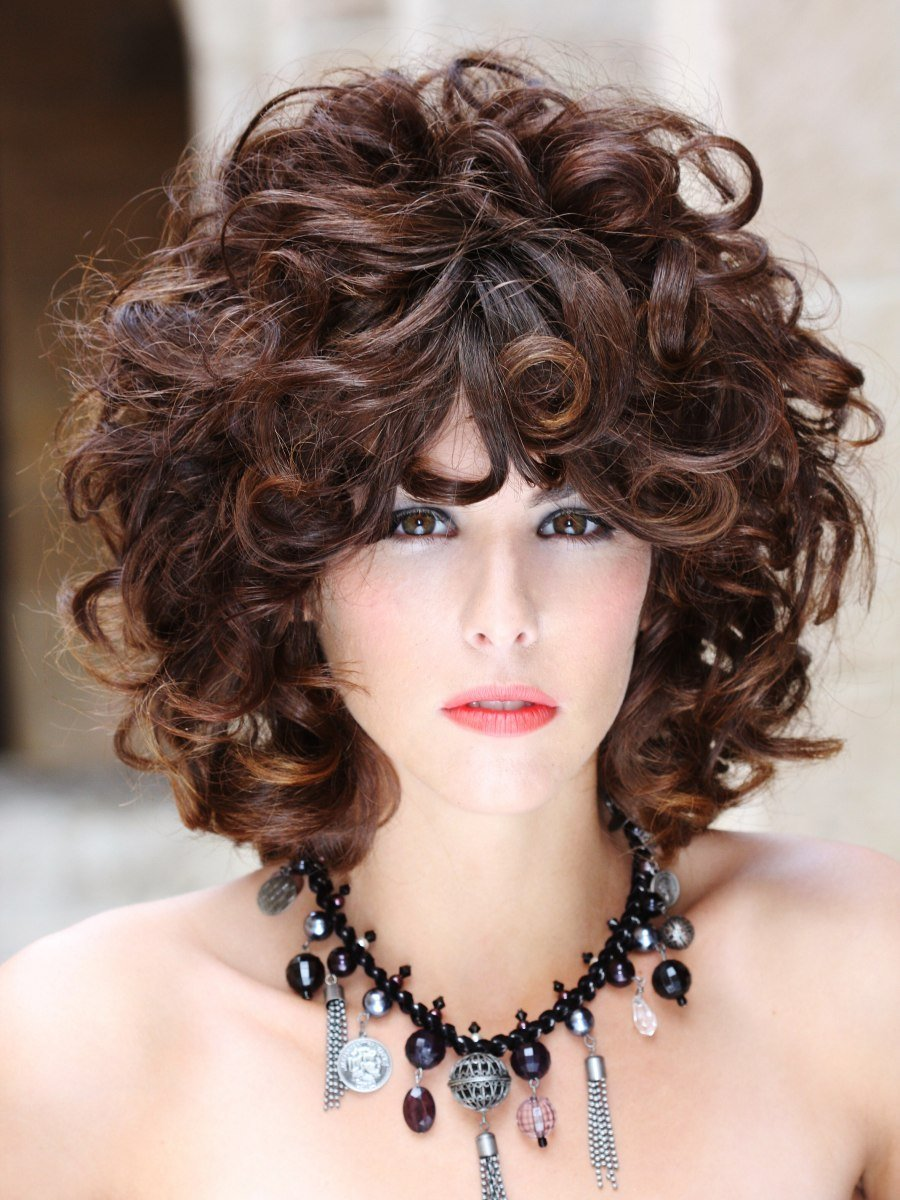 The Best Hairstyle With Large Curls Of Different Sizes And Strenghts Pictures
