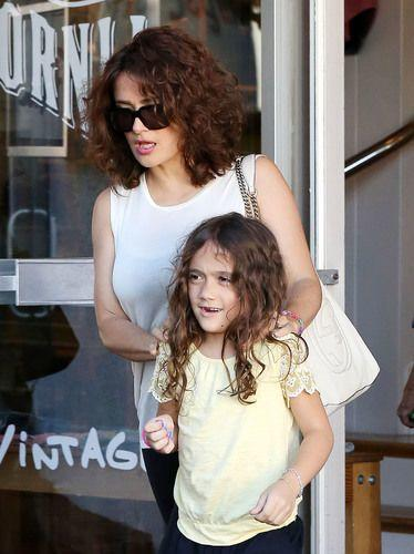The Best See Salma Hayek Rocks Natural Curly Hair You Can Too Mamáslatinas Pictures