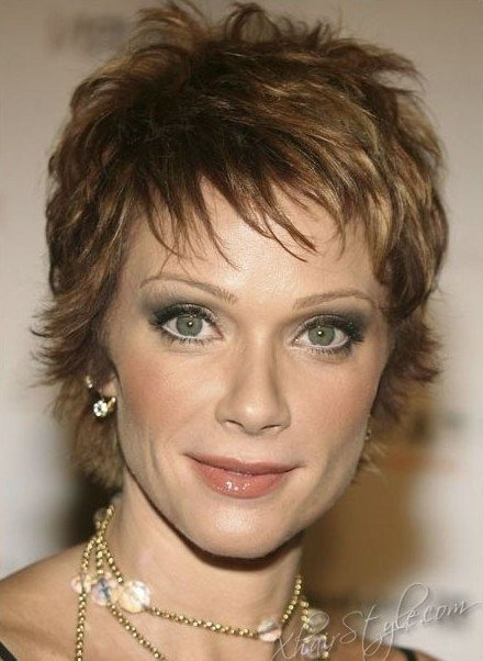 The Best Short Layered Hairstyles For Older Women Popular Haircuts Pictures
