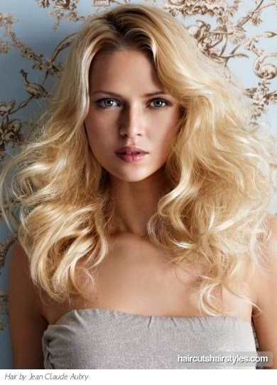 The Best Beautiful Long Blonde Hairstyle Pictures