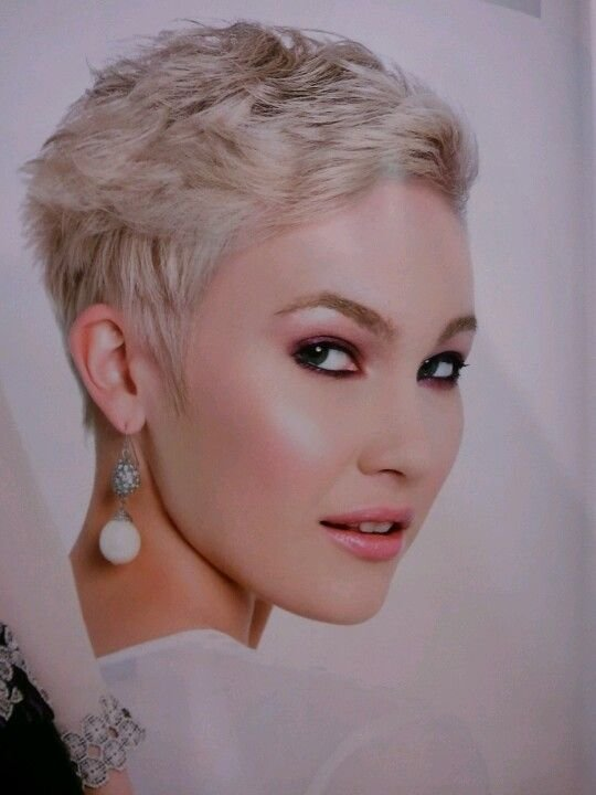 The Best The Cancer Chronicles Hair 6 Months After Chemo Via Lilblueboo Com Short Fashion Hair Style Pictures