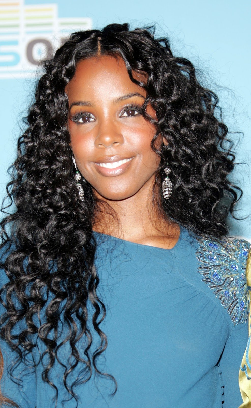The Best Megan Rossee On And On Kelly Rowland Hairstyle Pictures