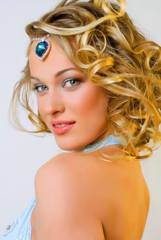 The Best Prom Hairstyles For Medium Length Hair 2013 Hair Style Trends Pictures