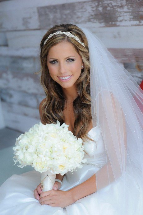 The Best Wedding Veils With Hair Down Pictures