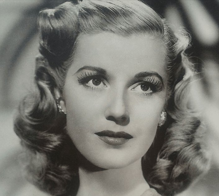 The Best 1940S Hairstyles For Women S To Try Once In Lifetime The Pictures