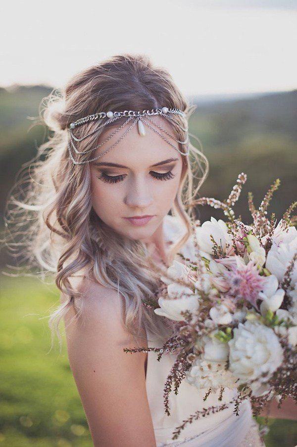 The Best Wedding Accessories 20 Charming Bridal Headpieces To Match Pictures